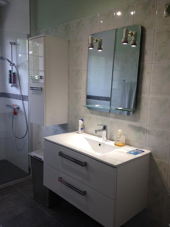 travauxtranquil remplacement d une baignoire par une douche olivet. Black Bedroom Furniture Sets. Home Design Ideas