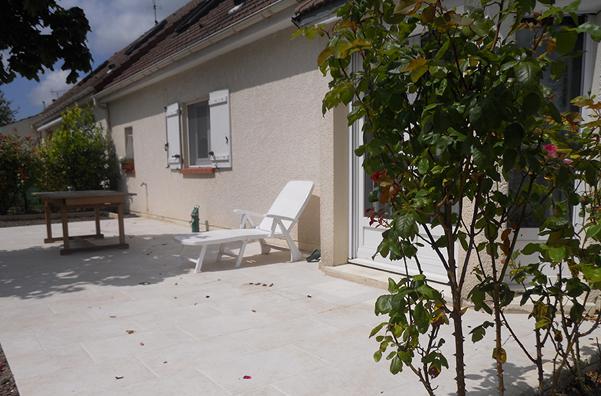 Courtier en travaux : aménagement d'une terrasse à Saint Jean de La Ruelle, avec Travaux Tranquil